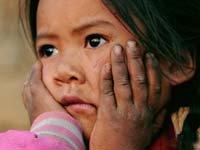 砚山孩子渴盼水的眼睛