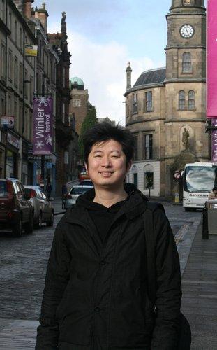 2009年度首届大本钟奖之个人奖获得者朱寒柏