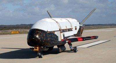 美国空天战机X-37B本月试飞 可摧毁敌国航天器