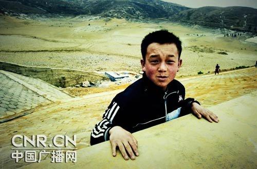 黔西南特大干旱 土地裂痕刺痛人心(组图)