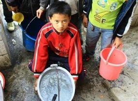图片故事:干旱下的打郎小学