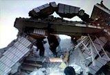 用手机拍摄的地震现场照片