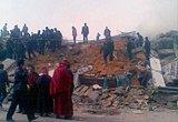 当地藏民组织自救