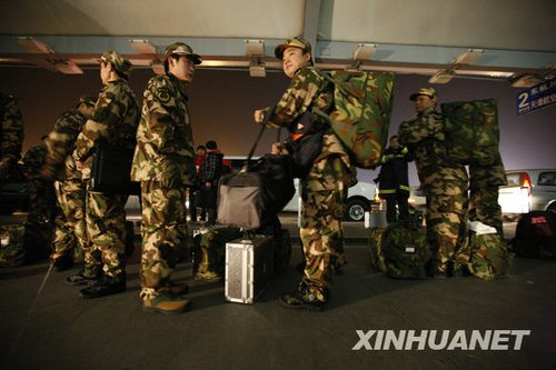 组图:中国各地紧急驰援青海玉树灾区
