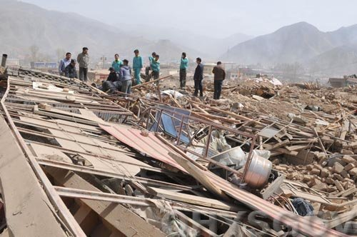 青海玉树地震已造成760人死亡