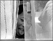 首批玉树灾区儿童抵京休养 将接受心理辅导