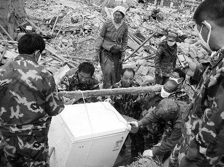 最牛农民救援队再赴玉树 帮灾民搭建帐篷(图)