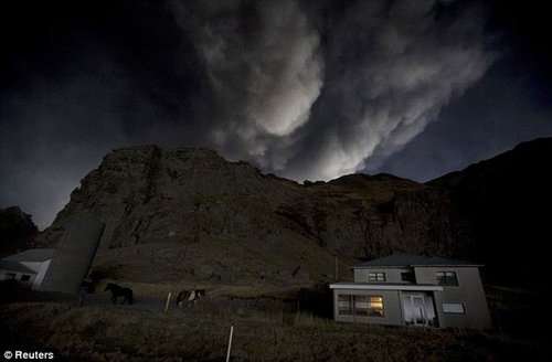 专家分析冰岛火山灰与下酸雨可能性不大 - 敏儿 - 敏儿