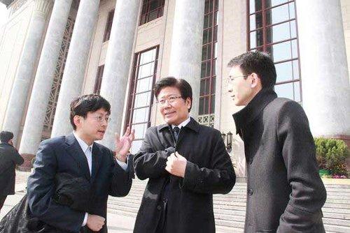 港媒记者眼中的张春贤:敢为硬朗 倡开放之风