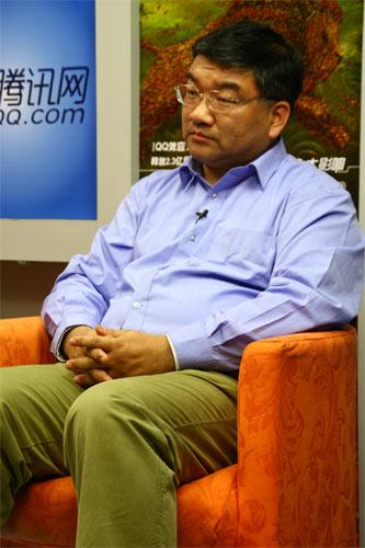 中国人民大学新闻学院副院长、教授、博士生导师喻国明