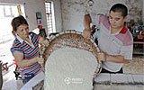 """中国人一天:""""土炮""""酿酒"""