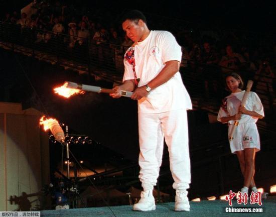 拳王阿里4任妻子9个孩子争夺8000万美元遗产