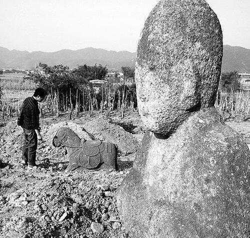 福建将太监墓整修成景点 村民以为盗墓(图)