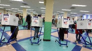 """(组图)美国中期选举:选民给奥巴马""""打分"""""""