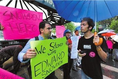 """美国""""泄密者""""斯诺登称将留在香港对抗美"""