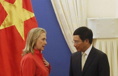 """中美""""公关""""东盟 在地区论坛上合纵连横寻支持"""