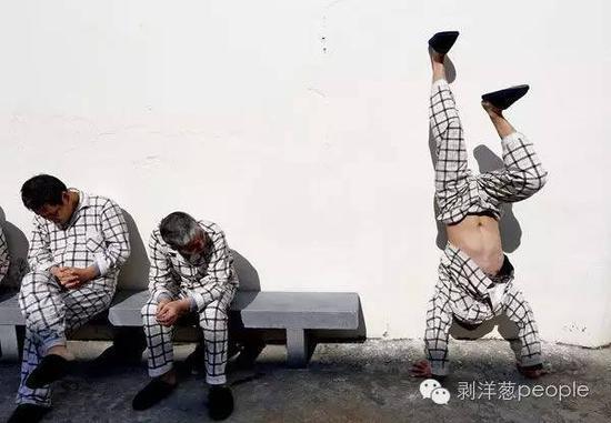 2013年11月5日,浙江境内的一所精神病院内。