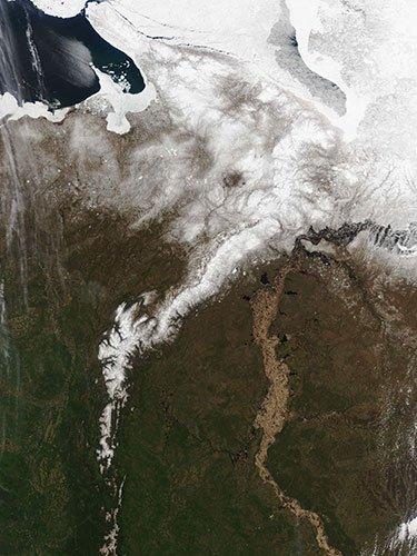 精彩太空照:加纳利怪异云层构成魔鬼面孔