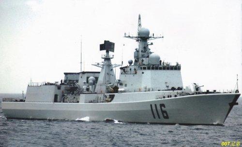 台媒:中国海军正造的万吨级新型驱逐舰很了得