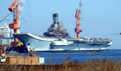 国内曾就瓦良格航母是否值得改造存在很大分歧