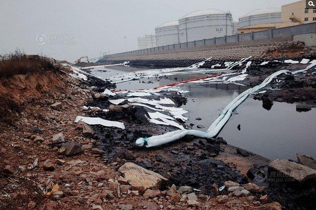 媒体质疑:青岛漏油至爆燃7小时内未疏散民众