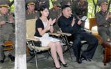 金正恩携夫人视察朝鲜人民军