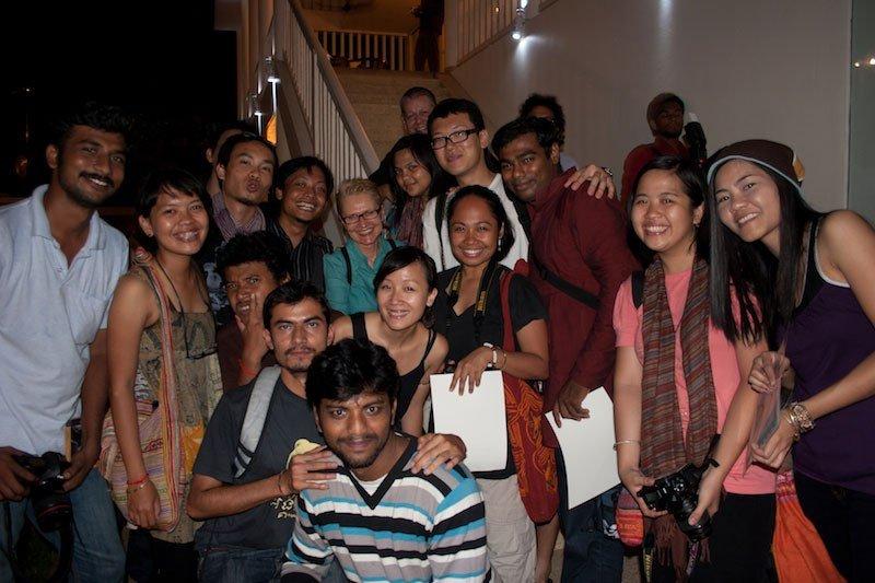 工作坊导师与学员合影。