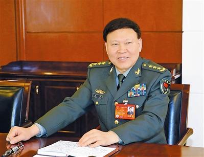 张阳代表参加分组讨论.