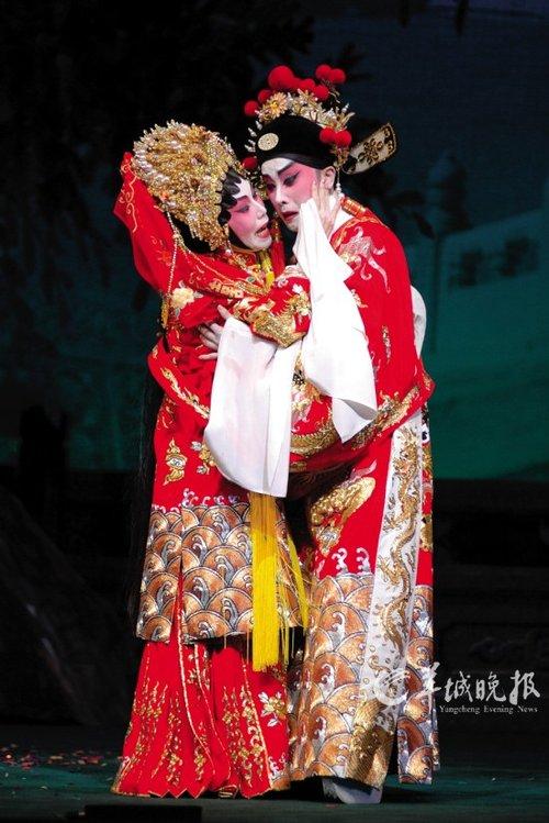 盖鸣晖昨晚广州唱《香夭》图片