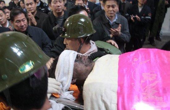 河南义马矿难共有66名矿工生还 8人遇难