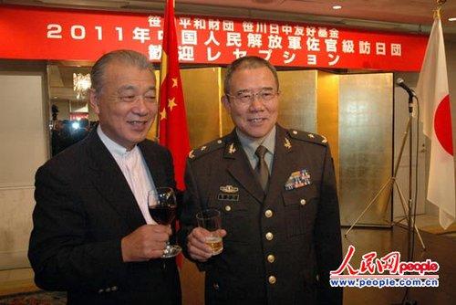 10月21日晚,日本笹川和平财团、笹川日中友好基金在东京举办了欢迎酒会,迎接2011年度中国人民解放军校级军官访日研修团。(资料图)
