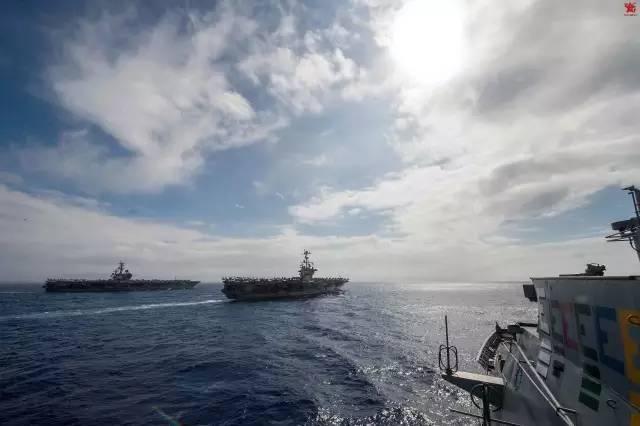 美上将:美军双航母集结回击中国南海造岛行动