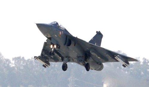 印度防长承认国产LCA轻型战机仍是半成品(图)