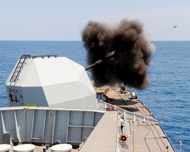 英海军因经费紧张将退役所有反舰导弹 重回舰炮时代