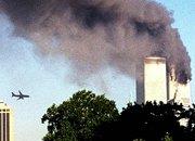 """恐怖分子劫持客机撞向""""双子大厦"""""""
