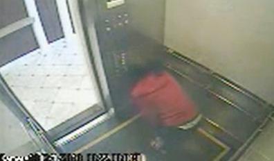 """加拿大""""诡异电梯女孩""""被发现陈尸酒店水箱(图)"""
