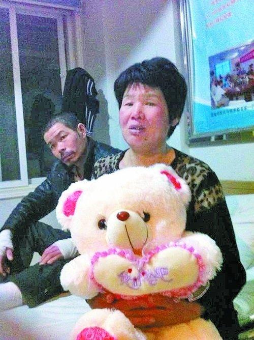 火海救母13岁女孩不治去世 各界捐款近260万元