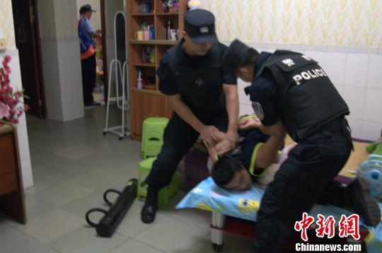 """广东警方端掉多个""""传销式""""窝点赃款达1亿元"""