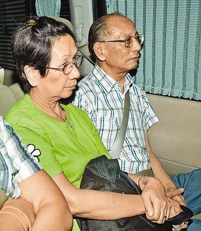 人质事件获释香港夫妇与菲律宾警方会面协助调查
