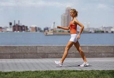4种简便步行健身法:走斜坡消耗热量多50%