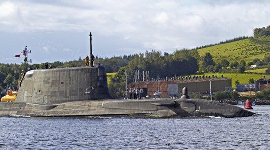 英军最新核潜艇由于发现系统缺陷而放弃海试