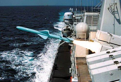 伊朗成功试射远程反舰导弹 为中国C802仿制品