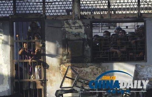 印尼监狱暴动约200囚犯出逃 包括15名恐怖分子