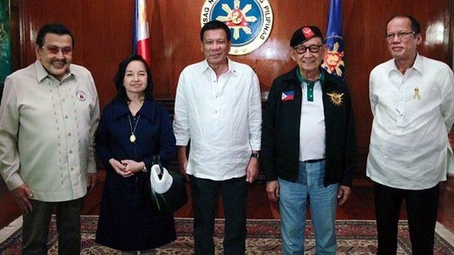 互相不爽的5位菲现任及前任总统齐聚 因为中国