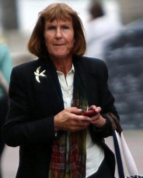 女教师被曝与13岁少年发生上百次性关系