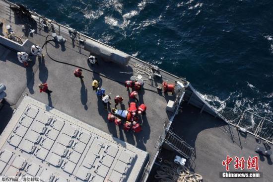 美军舰与菲货船相撞:发现失踪者遗体 将确认身份