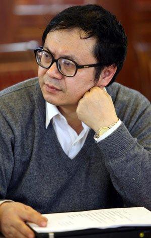 于建嵘,中国社会科学院农村发展研究所社会问题研究中心主任、教授