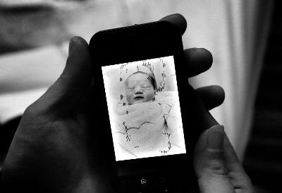 只活了74分钟,这是杜先生的儿子在这个世界的第一张也是最后一张照片