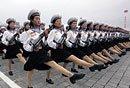 朝鲜举行盛大阅兵式