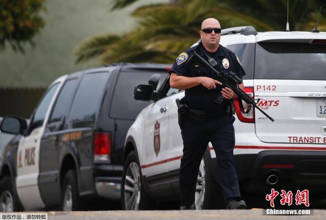 美国加州发生劫持人质事件 持枪男子与警方对峙